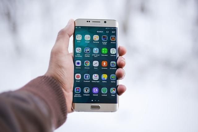 Na autodiagnostiku zvládnete jen s mobilem