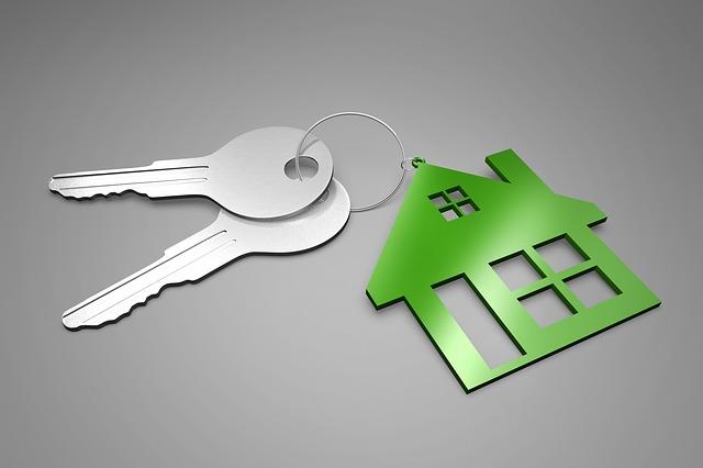 klíče s klíčenkou