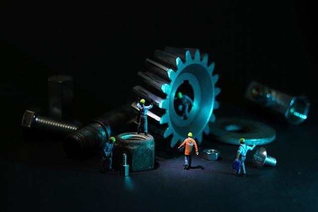 Noví pracovníci údržby průmyslového podniku